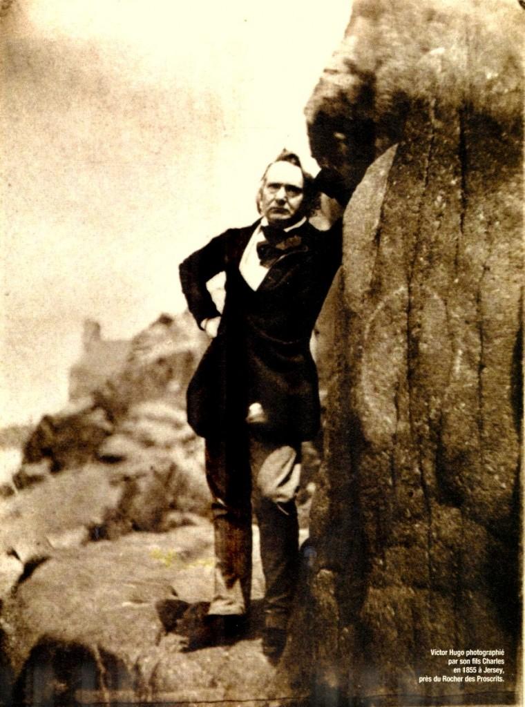 Victor Hugo photographié par Charles. Rocher des Proscrits, Jersey, 1855.