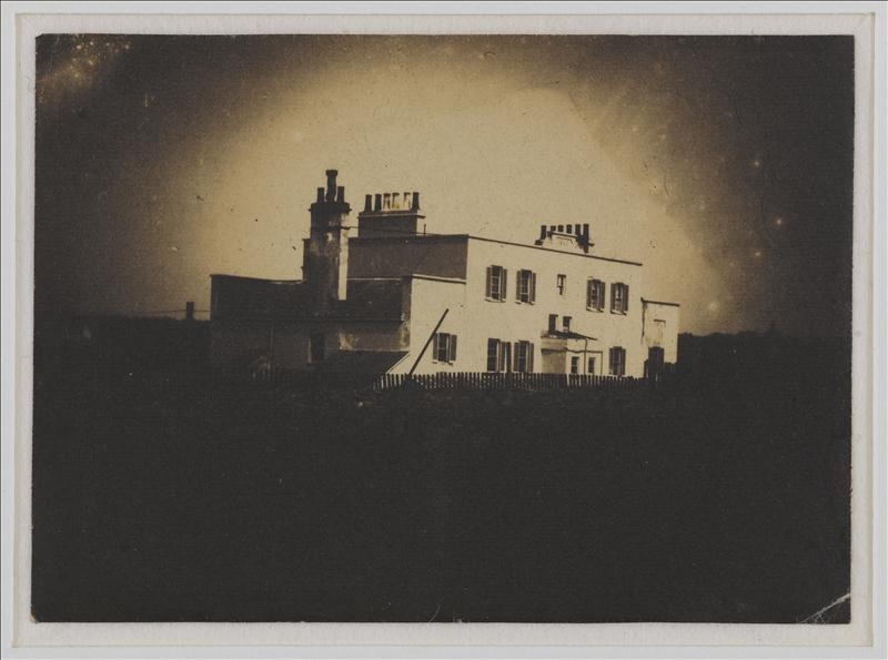 Vue de Marine Terrace à Jersey. 1853-1855. Photographie de Charles Hugo (1826-1871). Paris, Maison de Victor Hugo.  Dimensions : 6,2 x 8,6 cm
